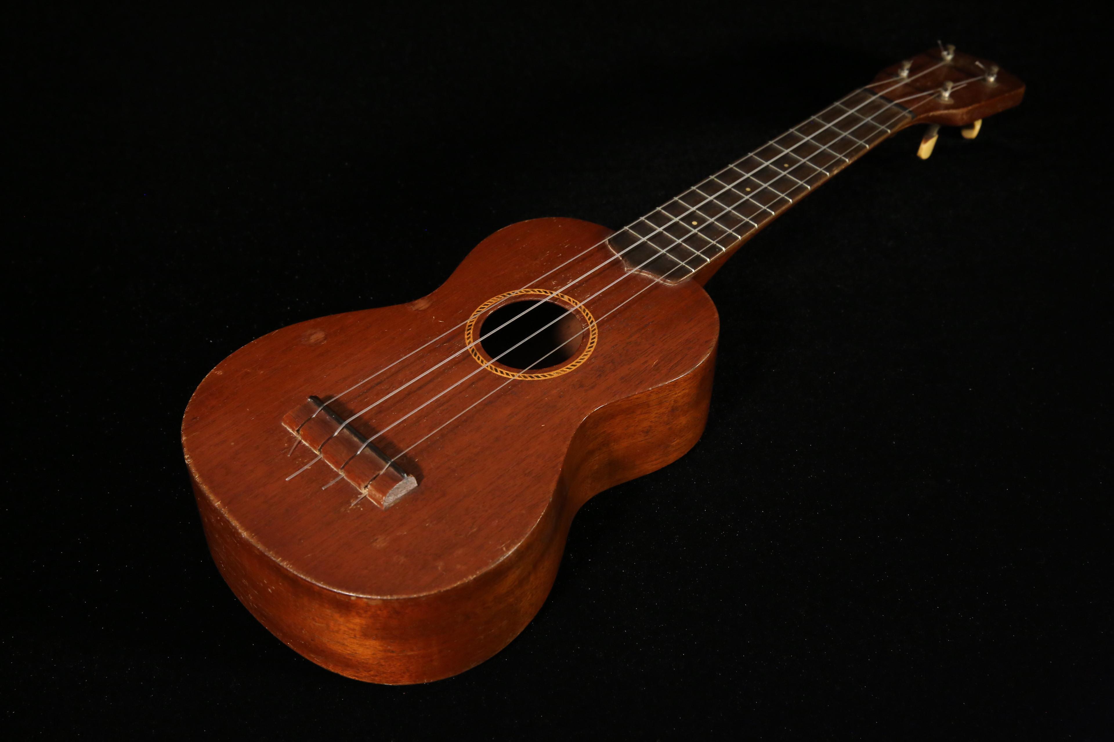Ukulele Friend 1920s Gibson Soprano Ukulele - Ukulele Friend