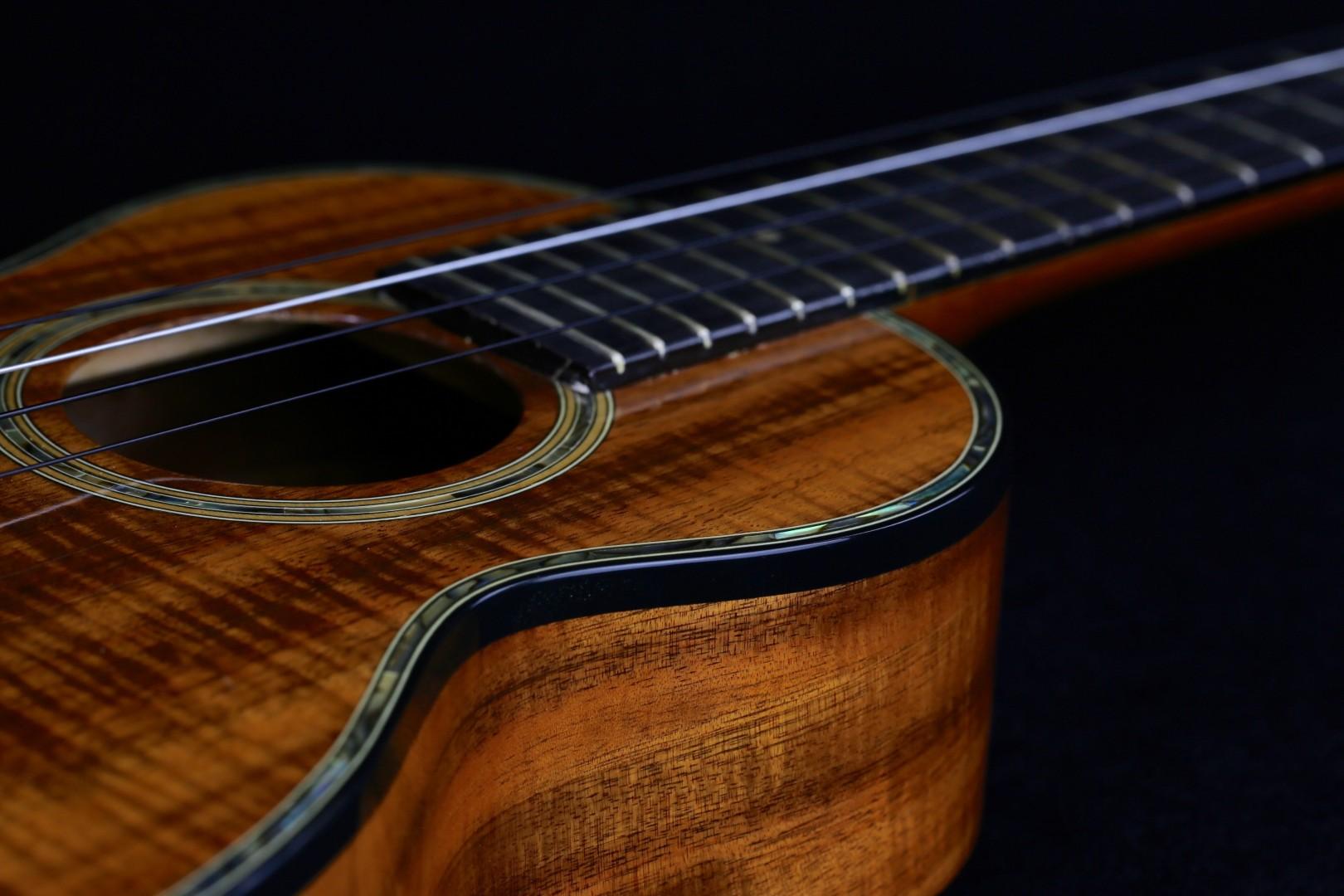 ukulele friend custom g string ukulele for sale ukulele friend. Black Bedroom Furniture Sets. Home Design Ideas